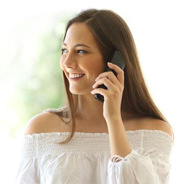 Visuel offre de téléphonie fixe. Appels illimités, mobile, destinations internationales, combiné, services, domicile, suivi consommation, portabilité du numéro, réseau téléphonique, ligne fixe.